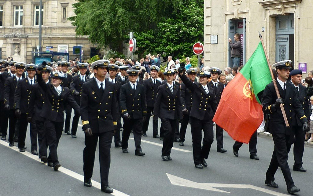 L'équipage du Sagrès II rue Lecanuet